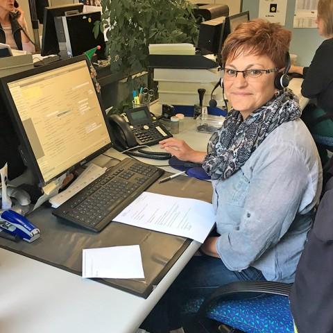 Spenderbetreuerin Christina Mertens bei der Arbeit.