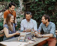 share Gründerteam Iris Braun, Sebastian Stricker, Ben Unterkoffler und Tobias Reiner