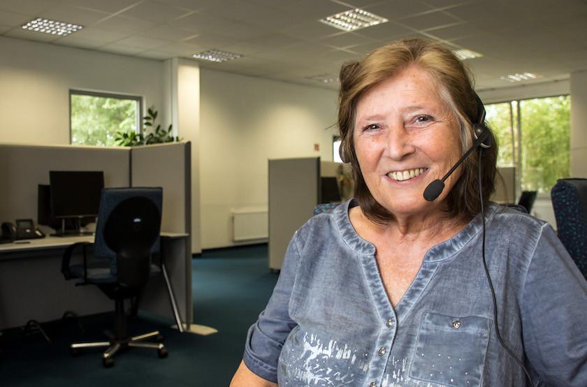 Brigitte Niedergesäss hat große Freude an ihrer Arbeit als Telefon-Kontakterin.